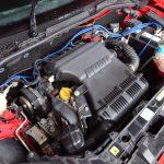 エンジンは高回転型で上までよく回るが、上に行けば行くほどパワーが溢れ、高音域のサウンドを奏でる……といったドラマチックさはない。全域フラットトルクで扱いやすい