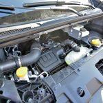 エンジンは日産とルノーが共同開発した「M9R」にツインターボを組み合わせたトップモデル。当該車は「ENEGY」と呼ばれる仕様で、スタート&ストップ機能が付いている。トランスミッションは、ルノー内製の6MT「PF6」が組み合わされる