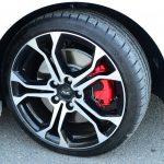 【Ph1】トロフィーのタイヤは205/40R18。シャシースポールは205/45R17